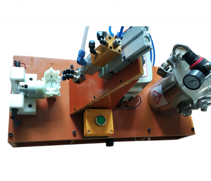 电机齿轮自动加油治具