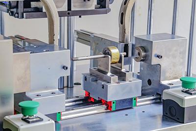 斜面螺旋卡簧具有双重功能,可以用作机械连接