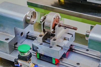 无凸轮技术是在传统的凸轮锁环机的基础上开发的