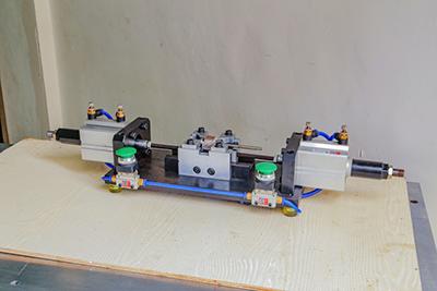 半自动卡簧机是比较非常容易训练和实际操作的
